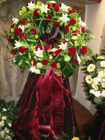 Blumenschmuck für Beerdigungen von Zehner GmbH Bestattungen