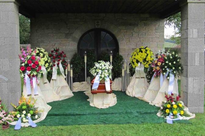 Dekoration für Beerdigung Zehner GmbH Bestattung
